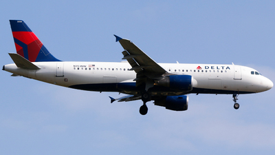 A picture of N353NW - Airbus A320212 - Delta Air Lines - © Alec Mollenhauer