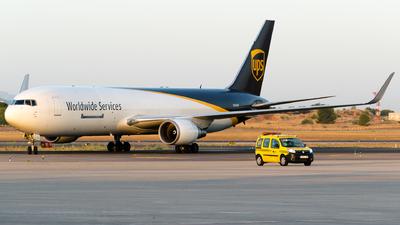 A picture of N336UP - Boeing 76734AF(ER) - UPS - © Fabrizio Spicuglia