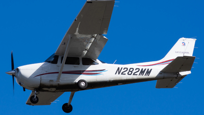 A picture of N282MM - Cessna 172S Skyhawk SP - [172S12247] - © Taylor Kim