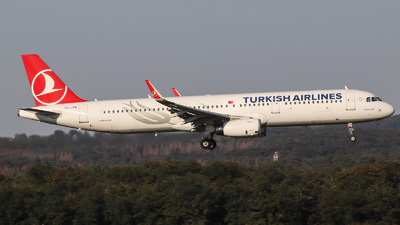 TC-JTM - Airbus A321-231 - Turkish Airlines