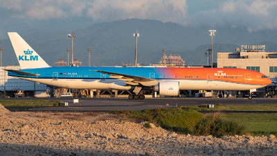 A picture of PHBVA - Boeing 777306(ER) - KLM - © Edward Liao