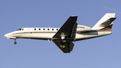 A picture of N370QS - Cessna 680 Citation Sovereign - NetJets - © Connor Ochs