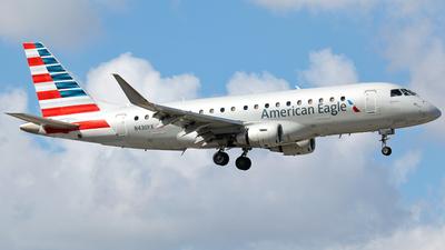 A picture of N430YX - Embraer E175LR - American Airlines - © Robert Maverick Rivera