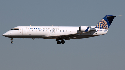 A picture of N955SW - Mitsubishi CRJ200LR - United Airlines - © PAUL LINK