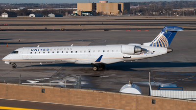 N707SK - Bombardier CRJ-701 - United Express (SkyWest Airlines)