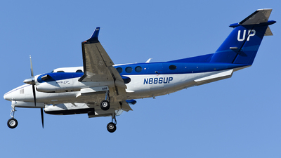 N886UP - Beechcraft B300 King Air 350i - Wheels Up