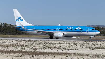 A picture of PHBXG - Boeing 7378K2 - KLM - © Edgar Baptista