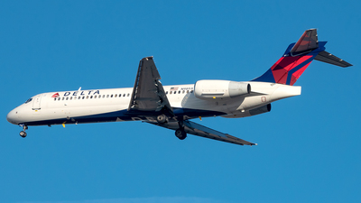 A picture of N989AT - Boeing 71723S - Delta Air Lines - © Yan777