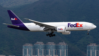 A picture of N855FD - Boeing 777FS2 - FedEx - © Adrian Tong