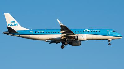 A picture of PHEZC - Embraer E190STD - KLM - © Wilko Doodhagen