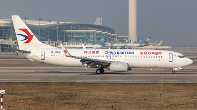 A picture of B5701 - Boeing 73789P - China Eastern Airlines - © Eric Wang