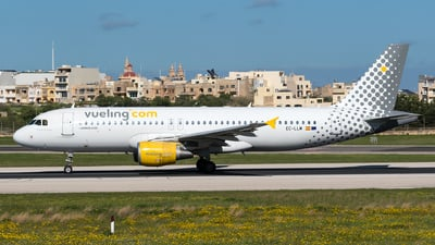 EC-LLM - Airbus A320-214 - Vueling Airlines