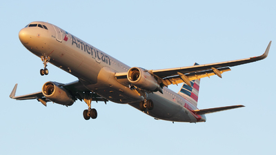 N901AA - Airbus A321-231 - American Airlines