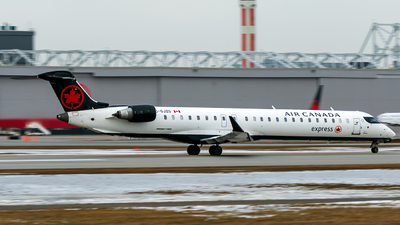 C-GJZS - Bombardier CRJ-900LR - Air Canada Express (Jazz Aviation)