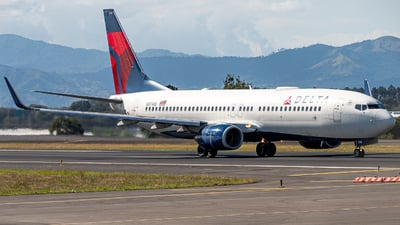 A picture of N3738B - Boeing 737832 - Delta Air Lines - © Osvaldo24CR