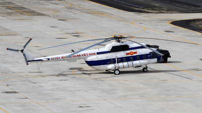 92102 - Mil Mi-8PS Hip - Vietnam - Air Force