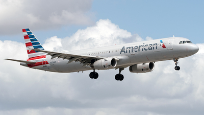 N924US - Airbus A321-231 - American Airlines