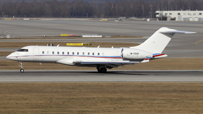 M-YSSF - Bombardier BD-700-1A10 Global 6000 - Private