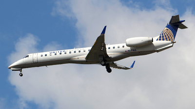 A picture of N17185 - Embraer ERJ145XR - United Airlines - © Guy Langlois