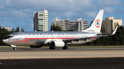 N951AA - Boeing 737-823 - American Airlines