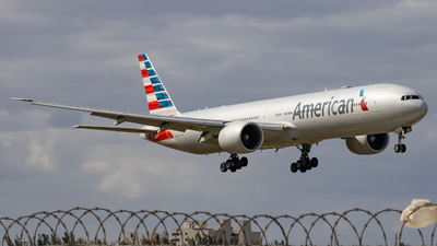A picture of N736AT - Boeing 777323(ER) - American Airlines - © soflo_spotter