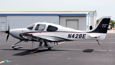 A picture of N42BE - Cirrus SR22 - [3903] - © n94504