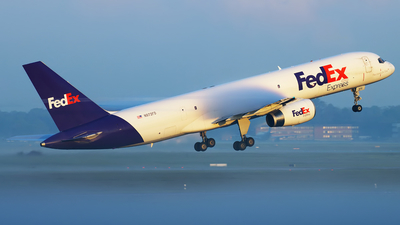 A picture of N972FD - Boeing 75728A(SF) - FedEx - © Christian Weber
