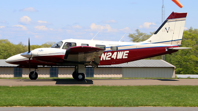 A picture of N24WE - Piper PA34220T - [3449071] - © Dave Lu