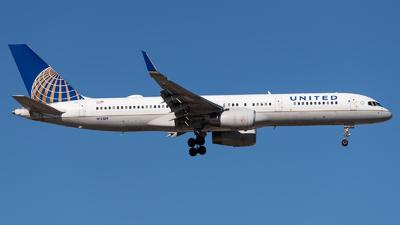 N12109 - Boeing 757-224 - United Airlines