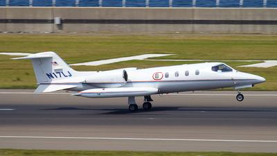 A picture of N17LJ - Cessna 525 CitationJet CJ1 - [5250372] - © Shimizu Brothers