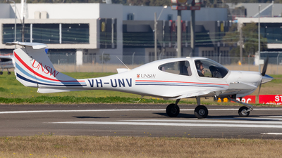 VH-UNV - Diamond DA-40 Diamond Star - University of New South Wales