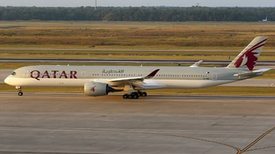 A picture of A7ANK - Airbus A3501041 - Qatar Airways - © Roger M