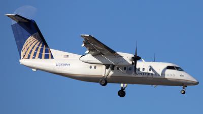 A picture of N359PH - De Havilland Canada Dash 8200 - [514] - © Len Schwartz