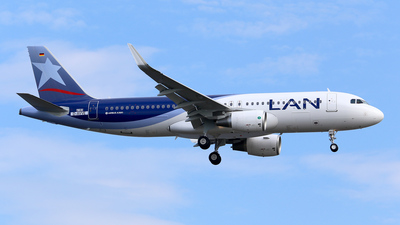 D-AVVE - Airbus A320-214 - LAN Airlines