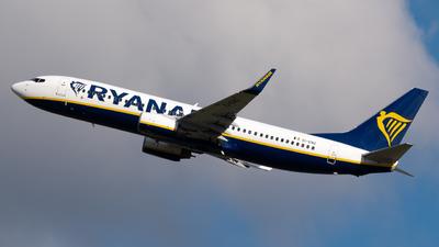 A picture of EIENG - Boeing 7378AS - Ryanair - © Sergio Basterrechea
