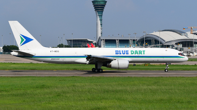 A picture of VTBDQ - Boeing 75728A(PCF) - Blue Dart Aviation - © songxiuming