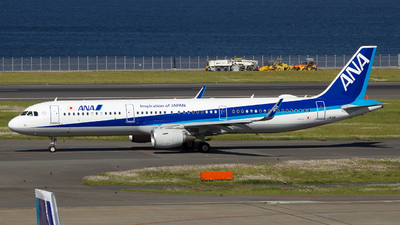 JA111A - Airbus A321-211 - All Nippon Airways (ANA)