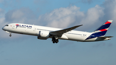 A picture of CCBGP - Boeing 7879 Dreamliner - LATAM Airlines - © Antonio Carlos Carvalho Jr.