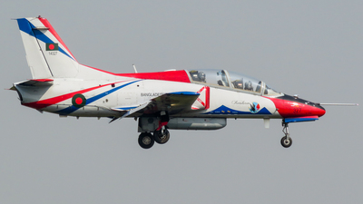 14327 - Hongdu K-8W Karakorum - Bangladesh - Air Force