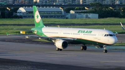 A picture of B16202 - Airbus A321211 - EVA Air - © Bingolancer