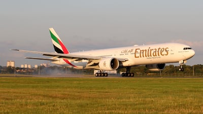 A6-EGG - Boeing 777-31HER - Emirates