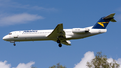 A picture of VHUQA - Fokker 100 - Alliance Airlines - © Christian Hartan