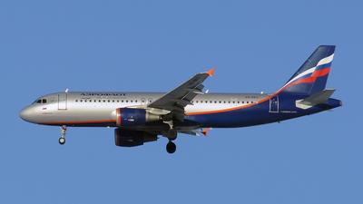 VQ-BKU - Airbus A320-214 - Aeroflot
