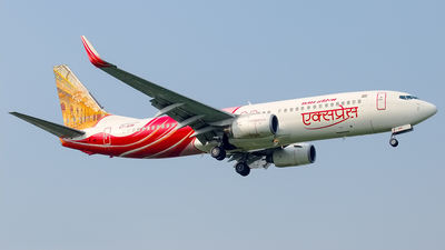VT-AXM - Boeing 737-8HJ - Air India Express