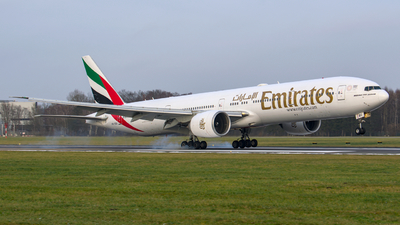 A picture of A6EBU - Boeing 77731H(ER) - Emirates - © Finnographie