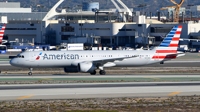 A picture of N411AN - Airbus A321253NX - American Airlines - © Rocky Wang