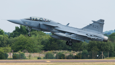 39825 - Saab JAS-39D Gripen - Sweden - Air Force