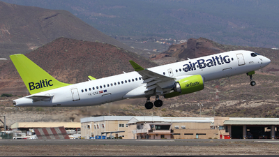 A picture of YLCSE - Airbus A220300 - Air Baltic - © Toño Ayala