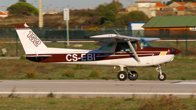 CS-EBI - Cessna 152 II - Private