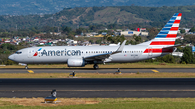 A picture of N972NN - Boeing 737823 - American Airlines - © Cristian Quijano
